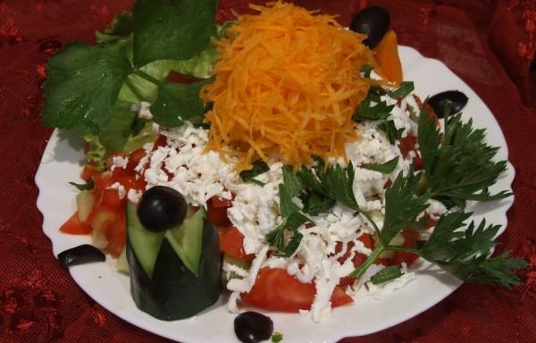 Шопска салата с моркови
