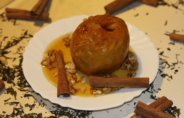 Печена ябълка